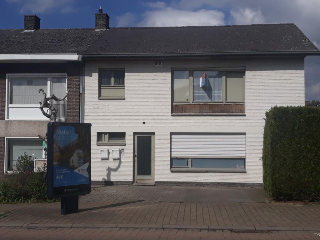 Appartement met 1 slpk aan rand van stad met parkeerplaats te Tielt – VERHUURD